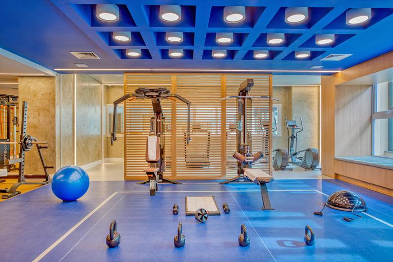 Espeço fitness conta com espaço dispondo de aparelhos de primeiro mundo