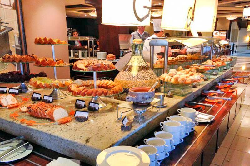 Gastronomia com detalhes do café da manhã